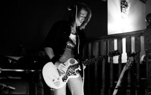 Live at Heffron's Bar 2016 - Elizabeth Ramsey Photography